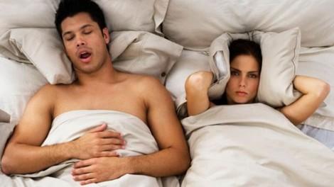 snoring-couple